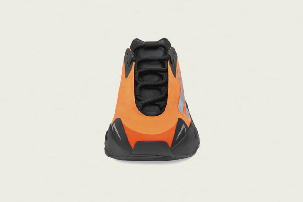 adidas yeezy boost 700 mnvn orange release date price 02 1000x667 - Todo sobre el lanzamiento de las YEEZY Boost 700 MNVN 'Orange'