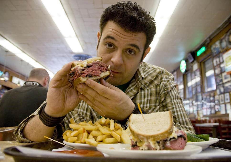 «Crónicas carnívoras»: ¿Podrías vivir de comer a lo bestia?