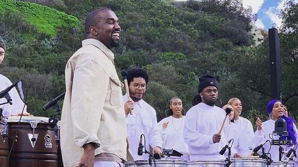 Kanye West versiona a Roddy Ricch en su último Sunday Service