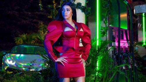 Cardi B y Fashion Nova se asocian para donar 1 millón de dólares