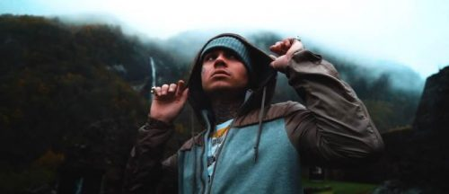 Bexey desprende oscuridad en el viedeoclip de 'Flatline'