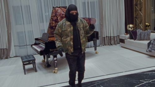 Drake nos hace un tour por su mansión en 'Toosie Slide'
