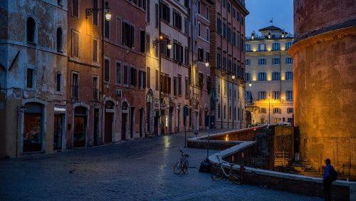 La mafia italiana dona comida a los más perjudicados por el coronavirus
