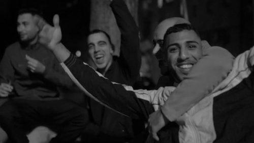 Morad pinta el barrio de blanco y negro en su nuevo clip 'He Visto'
