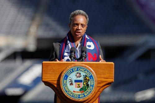 """La alcaldesa de Chicago a Donald Trump: """"Fuck You"""""""