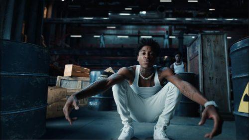 Nicki Minaj y NBA Youngboy protagonizan 'What That Speed Bout?!'