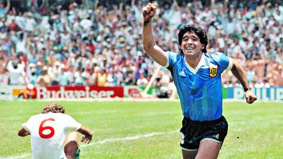 Muere repentinamente Diego Armando Maradona a los 60 años
