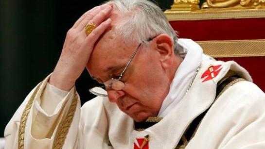 El Papa Francisco la lía en Instagram dando like a una foto sexy
