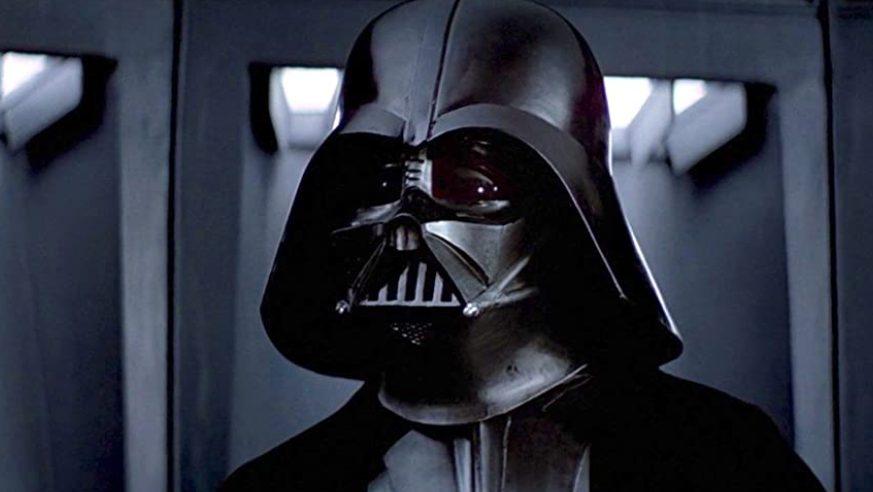 Intentan robar el casco original de Darth Vader a la compañía de J.J. Abrams