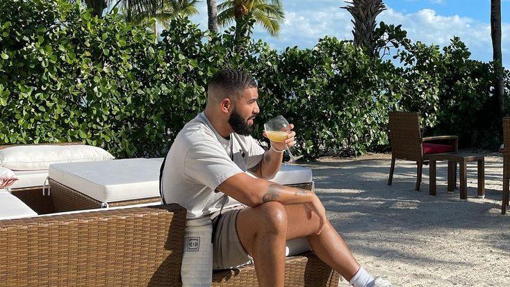 Drake nos cuela en su actual vida de confinamiento y estudio