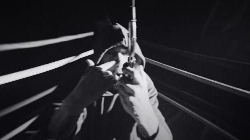 Eminem es músico y atleta de la UFC en el videoclip de 'Higher'