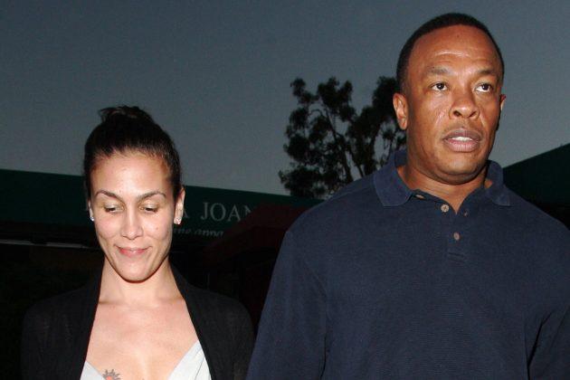 """La exmujer de Dr. Dre dice que el rapero """"le apuntó con un arma a la cabeza"""""""