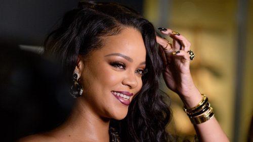 Rihanna intenta registrar Fenty Hair, una marca de cuidado para el cabello