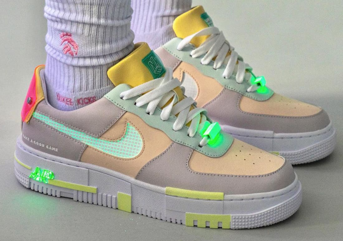 Nike y LPL se unen para crear las Air Force 1 Pixel «Have A Good Game»