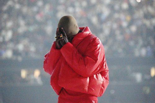 Kanye West llena su Instagram de imágenes extrañas y crípticas